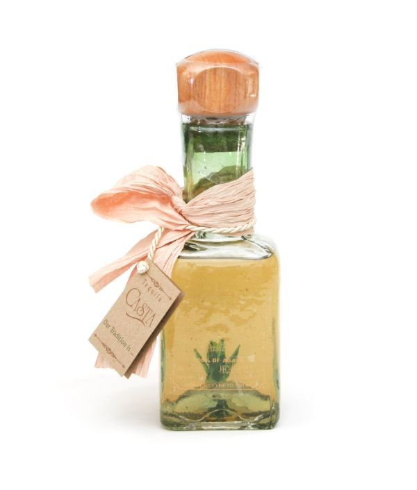 Casta Pasion Tequila Anejo with Agave