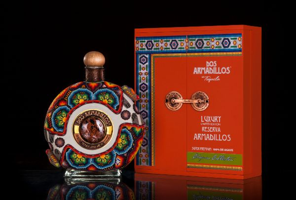 Dos Armadillos Chaquira Tequila